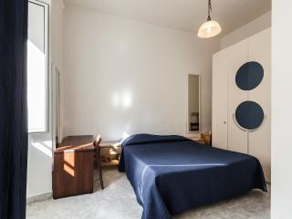 2bd flat off Piazza di Porta Pia (Villa Borghese) - Rome vacation rentals