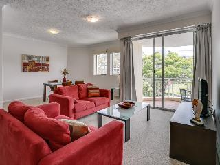 Sunny Two Bedroom Unit on the River - Brisbane vacation rentals