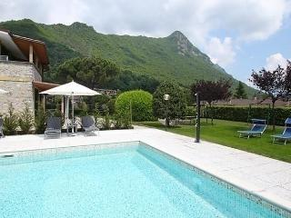 Beautiful 2 bedroom Apartment in Idro - Idro vacation rentals