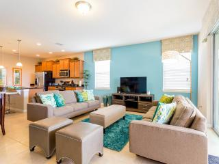 Gorgeous Townhouse with Television and DVD Player - Davenport vacation rentals