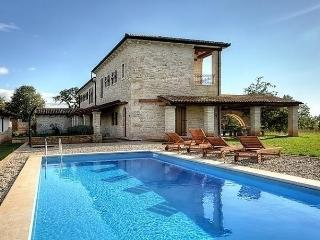Sunny House with Internet Access and Television - Kruncici vacation rentals
