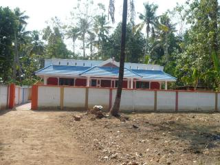 HOLIDAY HOME VARKALA -4Bedroom,1 Bedroom AC - Varkala vacation rentals