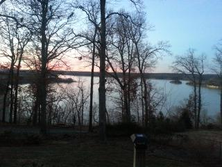 Beautiful Home on Beaver Lake, Rogers Arkansas - Rogers vacation rentals
