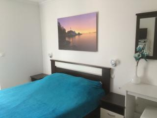 "Room 2, Guest House ""Sidro"" - Selce vacation rentals"