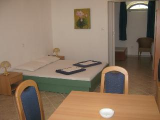 "Apartment ""Leo"", Guest House ""Sidro"" - Selce vacation rentals"