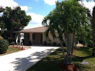 Private Heated Pool, Hot Tub, Bikes & Beaches - Naples vacation rentals
