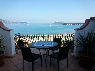 """ ORAMA"" NICE APARTMENT WITH BIG TERRACE FRONT SEA - Giardini Naxos vacation rentals"