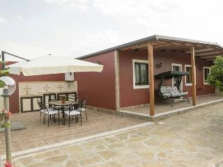 2 bedroom House with Internet Access in Gaggi - Gaggi vacation rentals