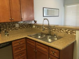 Luxury 1 Bdrm condo newly remodeled close to strip - Las Vegas vacation rentals