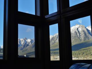Penthouse VIEWS (2 BR, Sleeps 8-9): Wifi, ParkPass - Canmore vacation rentals