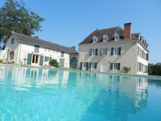 Chemin de Malendres, Lasseube, Pau - Jurancon vacation rentals