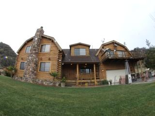 Nice Cabin with Deck and Internet Access - Frazier Park vacation rentals