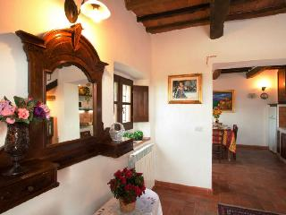 Home Tuscany suite number 1 - Cortona vacation rentals
