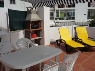 Casa com Terraço / Apt 2 Room whit Sun Terrace - Santa Lucia vacation rentals