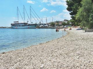 Apt with terrace-close to the beach - Omis vacation rentals