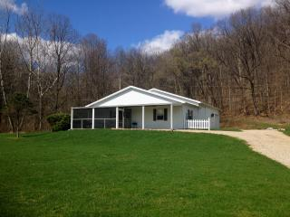 Cozy Cottage with Deck and Internet Access - Nelsonville vacation rentals