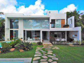 Casa de Praia Alto Padrão no Litoral da Bahia - Abrantes vacation rentals