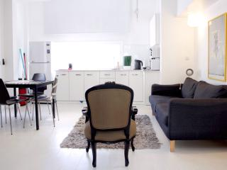 Idelson Delux apartment 7 (4 ppl) - Jaffa vacation rentals