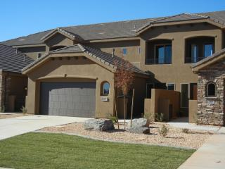 5-Bed Luxury Townhouse Overlooking Coral Canyon GC - Saint George vacation rentals