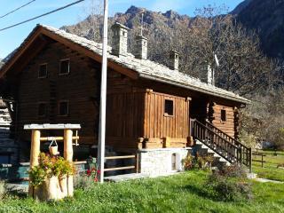Appartamento tipico Val D'Ayas - Challand Saint Anselme vacation rentals