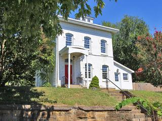 Civil War home, close to downtown - Cape Girardeau vacation rentals