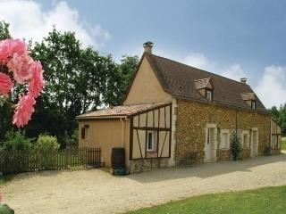 Nice House with Dishwasher and Short Breaks Allowed - Saint-Julien-de-Crempse vacation rentals