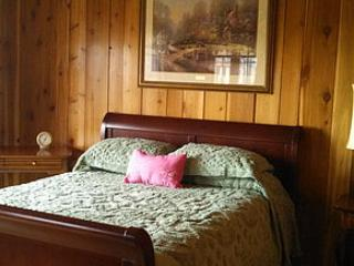 Innisfaire Bed and Breakfast Molly Maguire Room - Traverse City vacation rentals