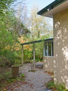 "Crafers B&B   ""Corktree Cottage"" - Crafers vacation rentals"