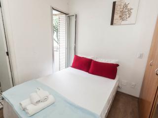 Apt steps to Paulista w/Gym, Laundry, & Pool - Sao Paulo vacation rentals