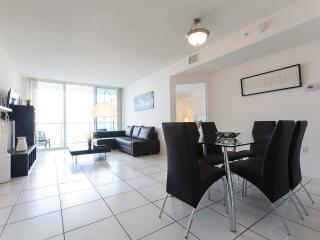 Luxurious and modern apartment Sunny Isles Beach - Sunny Isles Beach vacation rentals