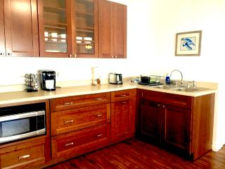 1 bedroom Cottage with Internet Access in Kailua - Kailua vacation rentals