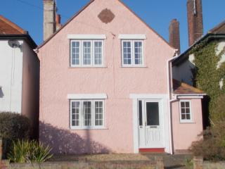Cozy Frinton-On-Sea vacation House with Internet Access - Frinton-On-Sea vacation rentals