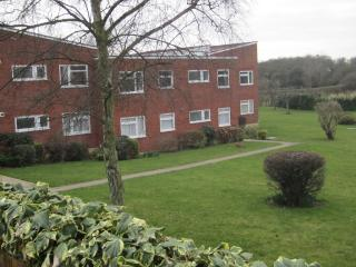 Lovely 2 bedroom Apartment in Frinton-On-Sea with Washing Machine - Frinton-On-Sea vacation rentals