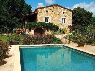 2 Bedrooms. Grand Vue Vert. Heated Pool.Lot River. - Puy-l Eveque vacation rentals