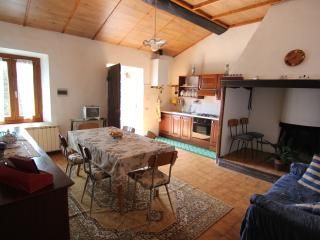 Perfect Bed and Breakfast with Internet Access and Wireless Internet - Monteriggioni vacation rentals