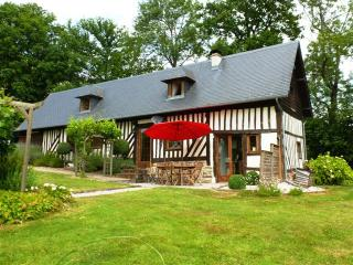 "LOVELY 4 BEDROOM ""COLOMBAGE"" HOUSE - Pont-L'Eveque vacation rentals"
