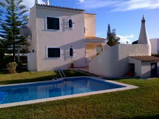 Beautiful 4 bedroom villa located near Old Village - Vilamoura vacation rentals