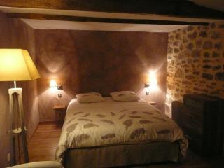 chambre d'hôte d'antardieu (les magnanarelles) - Saint Junien vacation rentals