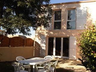 Bright 3 bedroom La Mothe Achard House with Balcony - La Mothe Achard vacation rentals