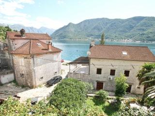 Beautiful stone house in Perast, 20m from the sea - Perast vacation rentals