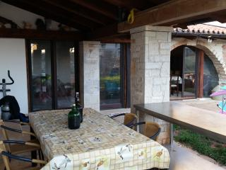 Spacious apartment for 10 Persons in Sisan - Medulin vacation rentals