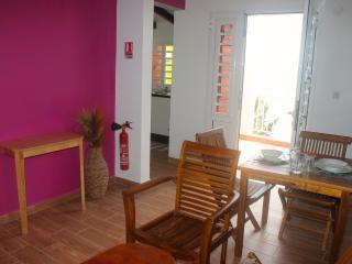 Agréable studio de 34m² situé au 2éme étage - Petit-Bourg vacation rentals