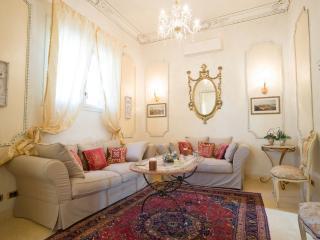 Relais 114-OFFERTISSIMA GIUBILEO IN CENTRO A ROMA! - Rome vacation rentals