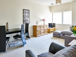 Charter House 2 bed serviced apartments in Milton - Milton Keynes vacation rentals