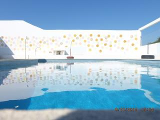 Nice 3 bedroom House in Aljezur with Internet Access - Aljezur vacation rentals
