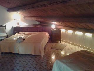 Villaggio Barilari - Casa Gialla - Minucciano vacation rentals
