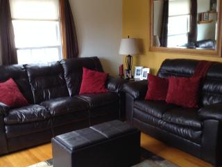 1 mile from State Fair Park ~ 3 Bedroom Home - Milwaukee vacation rentals
