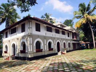 Lake County Heritage Home - Emperor's Suite - Ernakulam vacation rentals