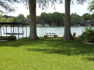 4 bedroom House with Television in New Braunfels - New Braunfels vacation rentals