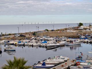 Appartamento in Residence sul mare - San Nicola l'Arena vacation rentals
